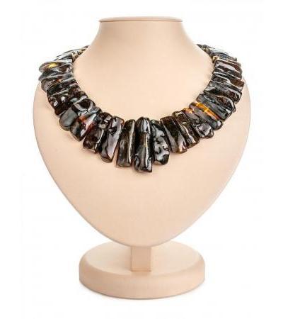 "Elegant bright necklace made of natural amber ""Pompeii"""