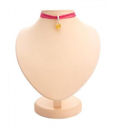 Ярко-розовый чокер с подвеской из серебра и янтаря «Валенсия»