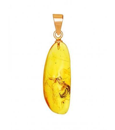 Небольшая подвеска из золота и натурального янтаря с инклюзом «Клио»