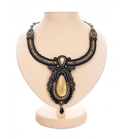 "Spectacular braided necklace decorated with crystals and natural amber ""India"""