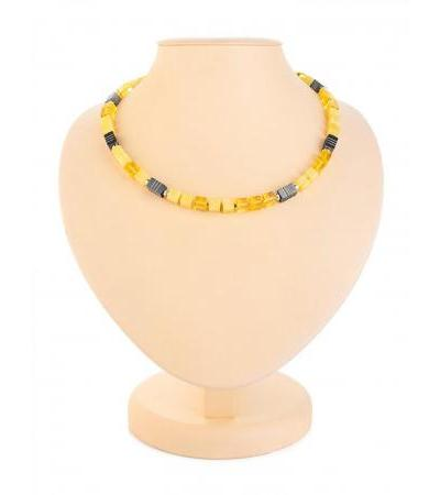 """Unusual amber necklace with a magnetic lock """"Rafinad"""""""