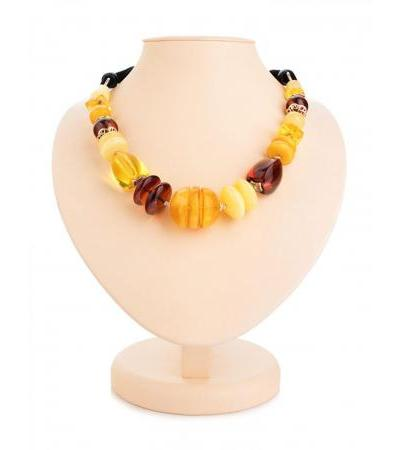 """Luxurious necklace """"Adriatic"""" made of natural Baltic amber"""