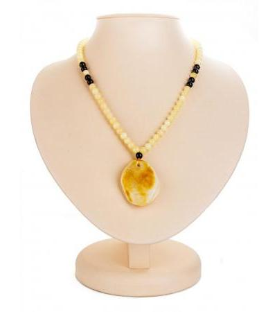 "Amber necklace with one-piece landscape pendant ""Laura"""