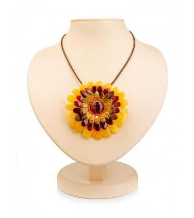 """Bright spectacular necklace with a pendant-brooch """"Chrysanthemum"""""""