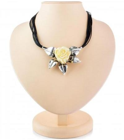 """Beautiful voluminous necklace """"Rose"""" from amber and silver"""