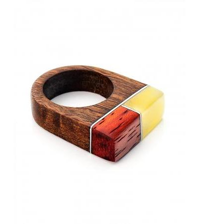 Exclusive ring made of Brazilian walnut and paduk, decorated with natural Indonesia amber