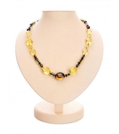 Luxurious fancy beads made of solid amber with diamond cut