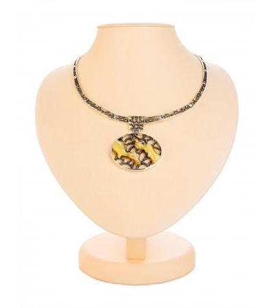 """Luxurious oval necklace """"Modern"""" made of silver with natural landscape amber"""