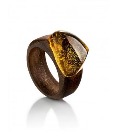"""Ethnic style ring made of amazaku wood with an insert of solid amber """"Indonesia"""""""