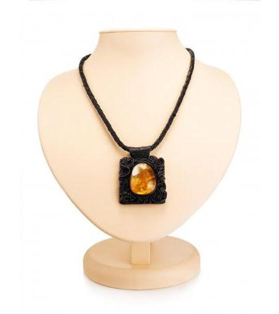 """Original necklace made of leather and textured amber """"Amazonka"""""""
