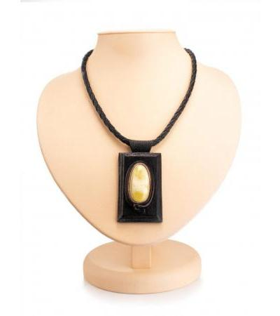 """Original necklace made of genuine leather and amber """"Amazon"""""""