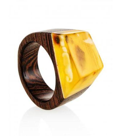 """Stylish ring made of natural Baltic amber and wood """"Indonesia"""""""