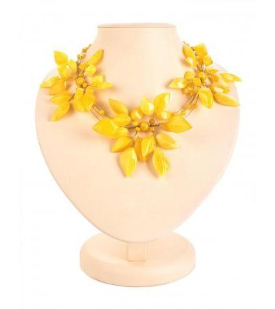 "Luxurious airy necklace made of solid amber honey-colored ""Primrose"""