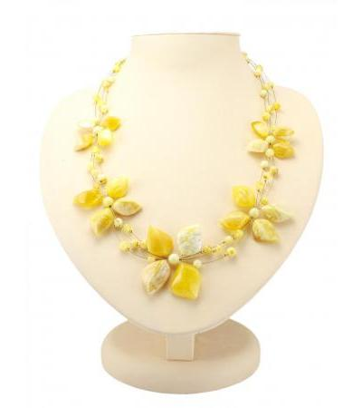 """Necklace on a string from natural amber """"Primrose"""""""