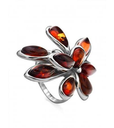 Luxurious silver ring with sparkling Dahlia cognac amber