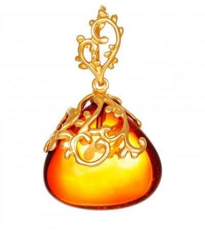 "Bright pendant made of natural cognac amber ""Versailles"""