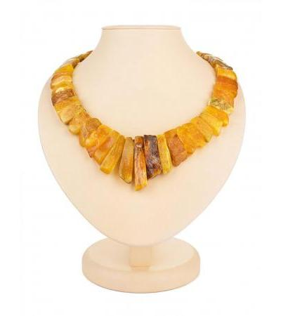 "Stylish healing necklace made of natural honey amber ""Pompeii"""
