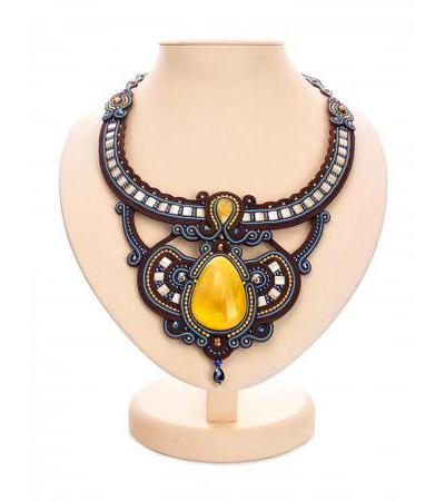 "Stylish and unusual necklace ""India"" with natural honey amber"