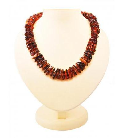 """Luxurious beads from natural Baltic amber """"Large cherry chips"""""""